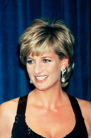 ¿Cuánto mide la Princesa Diana (Lady Di) ? - Altura - Real height G33323_u31803_diana