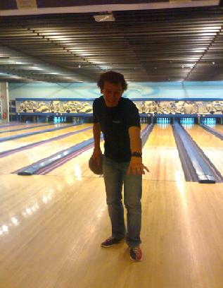 Anthony at Bowling (http://tonysp.canalblog.com)