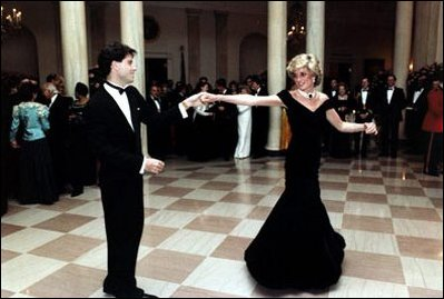 <a href=http://www.whitehouse.gov/history/photoessays/crosshalls/images/06-c31893-10-ladydi-cross-rr-398h.jpg>Diana dancing </a href>