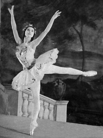 "Fonteyn as ""Aurora"", Photo Courtesy of  Dance Works Online"