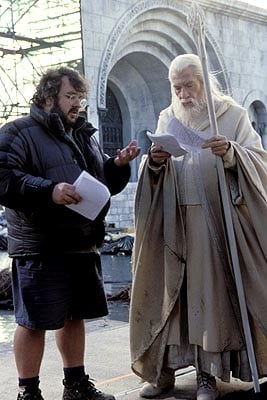 Gandalf (Ian McKellen) and Peter Jackson on the set of LotR (Wingnut Films)