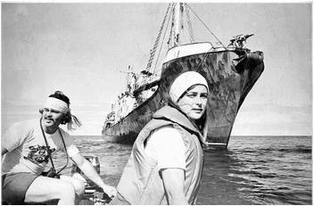 Bobbi Hunter saving a whale from the harpoon boat (Emily Hunter)