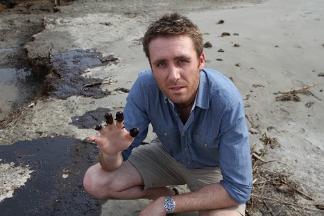 Philippe and oil from Gulf oil spill. (EarthEcho International)