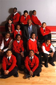 Geoffrey Canada and students. (hcz.org)