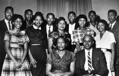 The Simmons Family<br>image from the Smith College web site